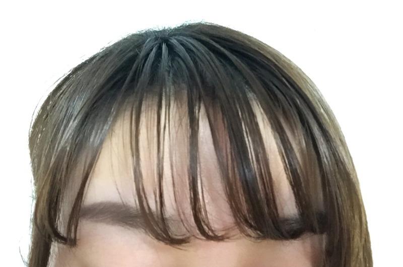 前髪がベタベタな束感