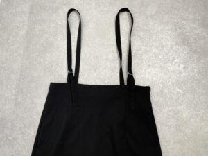 GU サスペンダー付きスカート