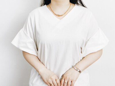 H&M チェーンネックレス 着用コーデ